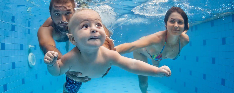 Acquaticità neonatale: un bambino alla scoperta del mondo acquatico